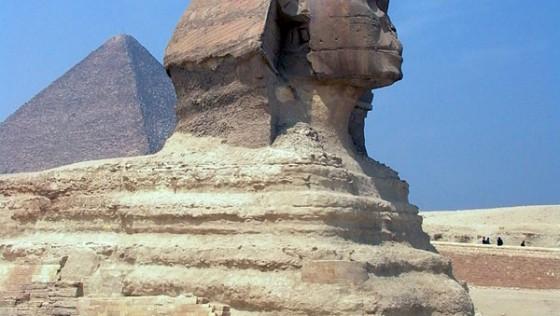 Die Sphinx von Gizeh bei den Pyramiden in Ägypten