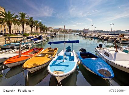 Split in Kroatien mit der bekannten und bei Urlaubern beliebten Altstadt östlich des Adriatischen Meeres